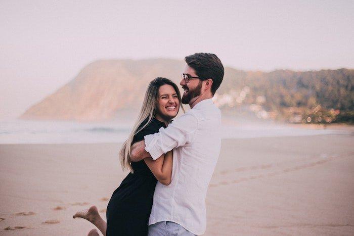 happiness-hormones-hugging-hug-skin.jpg