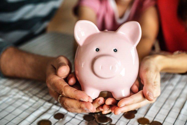 spending-money-saving.jpg
