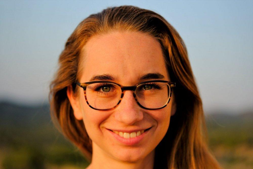 https://www.happiness.com/de/uploads/monthly_2019_01/Portrait_Veronika_Eicher.jpg.428d3eeb8e34a2ec4254a6bf913d4152.jpg