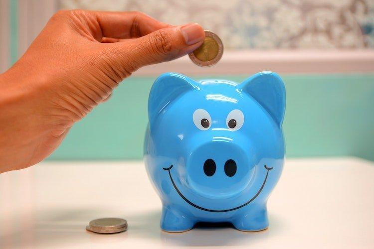 ökonomie-schwierige-zeiten-sparsam-trotzdem-glücklich-happiness.jpg