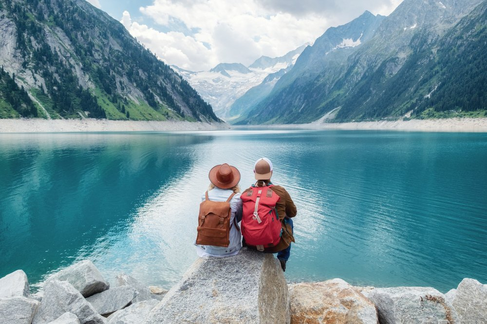 travel-mental-health-happiness-couples.jpg