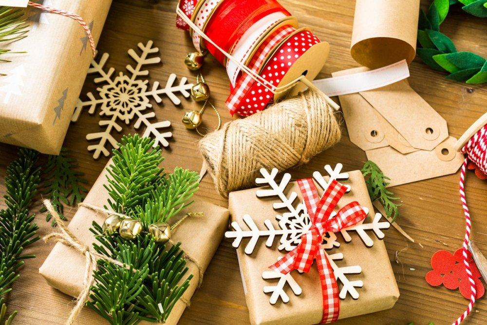 green-sustainable-christmas-paper.jpg