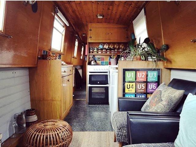 house-boat-living-life.jpg