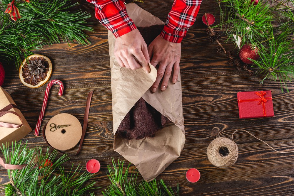 green-Christmas-sustainable-wrapping.jpg