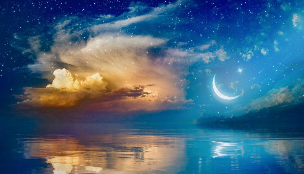 lunar-living-moon.jpg