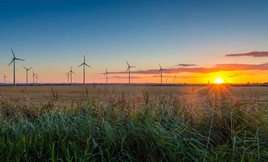wind-farm-uk.jpg